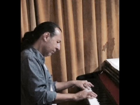Brilliant live piano performance Edo Sanz