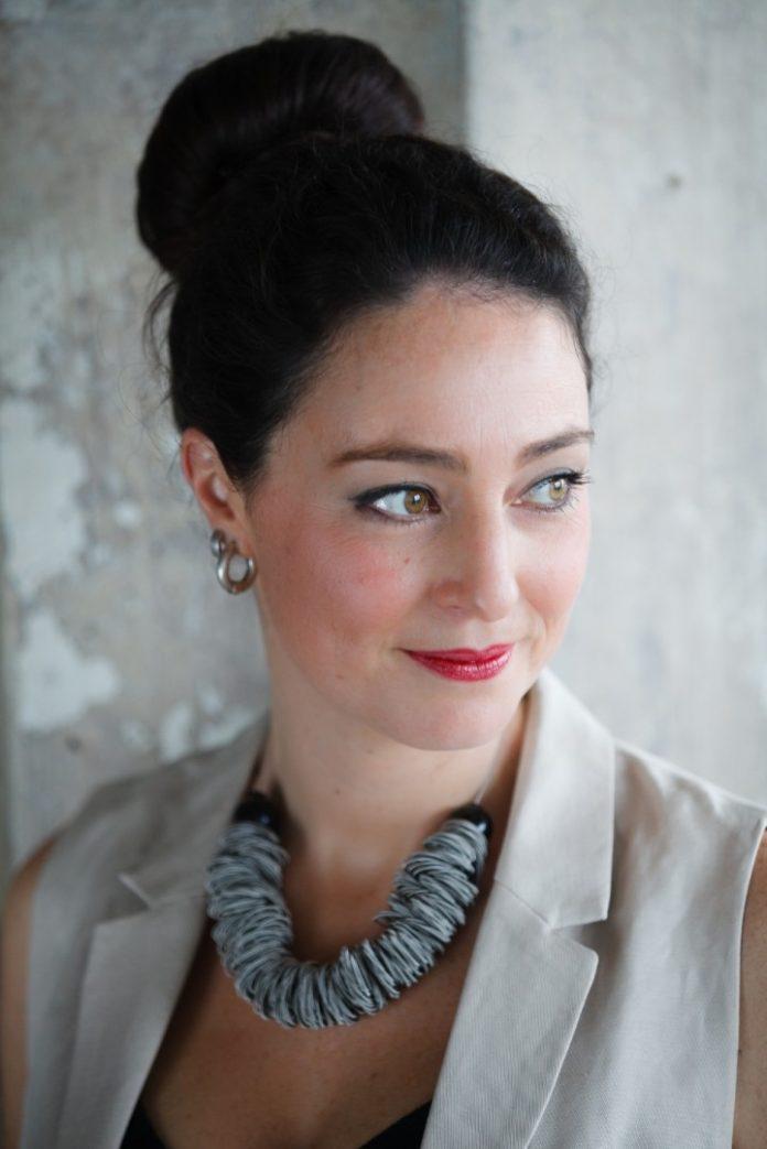 Lovely emotional jazz vocals Olivia Foschi